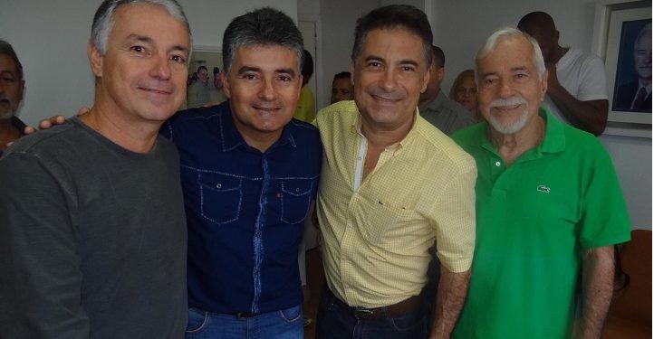 Ex-prefeito Sílvio Lopes e os filhos