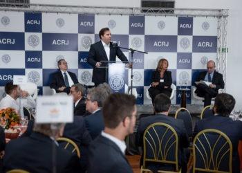 Rodrigo Maia fala sobre royalties do petróleo