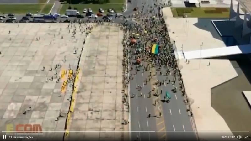 Manifestação pró-golpe em Brasília