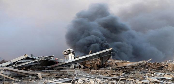 Destruição provocada por explosão na região portuária de Beirute 04/08/2020 REUTERS/Mohamed Azakir