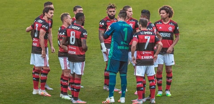 Atletas do Flamengo testam positivo para COVID