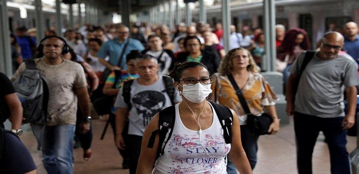 uso de máscaras é um método recomendado por especialistas para o controle da pandemia do coronavírus. No entanto, há pessoas que relutam em usá-la.