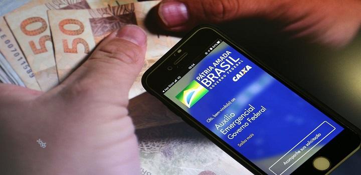 Cruzamento de bancos de dados reduzirá à metade beneficiários do auxílio emergencial