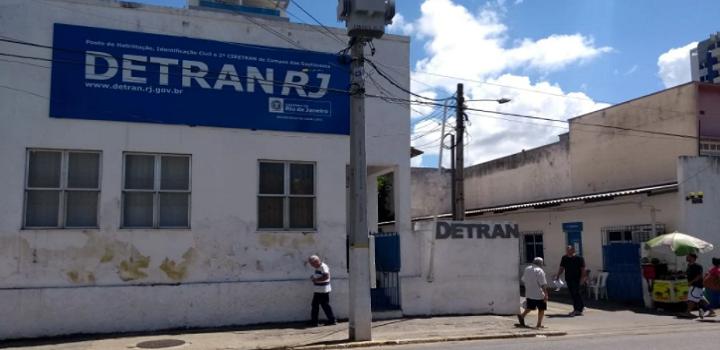 Detran de Campos fecha após caso de Covid
