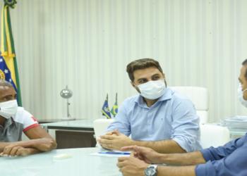 Prefeito Wladimir Garotinho recebe visita do senador Romário No encontro, foram apresentadas as necessidades de recursos para reforma e ampliação de hospitais