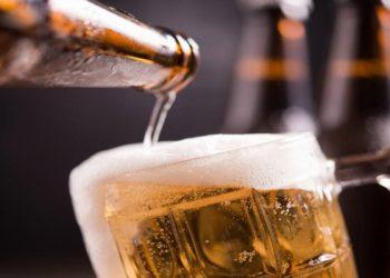Falta de garrafa de cerveja por conta da pandemia