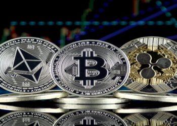 Bitcoin sofre para recuperar seu recorde histórico, o mercado de altcoins imprime novos ganhos diários com diversos criptoativos explodindo em valorização e deixando os lucros do BTC para trás.