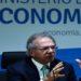 """benefício vai ser estendido por pelo menos dois meses; """"a pandemia está aí"""", disse o ministro da Economia"""