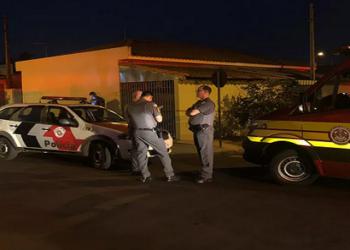 Mãe e dois filhos são mortos a tiros dentro de casa; suspeito cometeu suicídio após crime