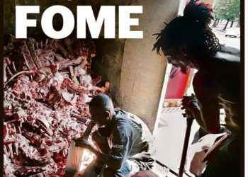 Fome no Brasil: Pessoas catando restos de animais no Rio de Janeiro
